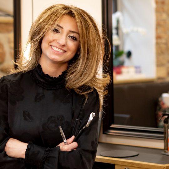 Friseurmeisterin Bahareh Lehmann